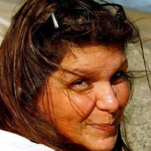 Michelle (Lacerda) Barker linkedin profile