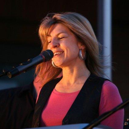 Gloria Carpenter linkedin profile