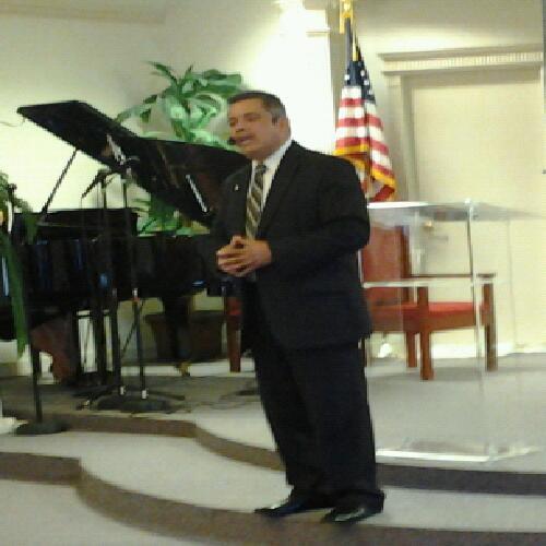 Saul Flores linkedin profile