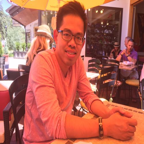 Quang Dinh linkedin profile