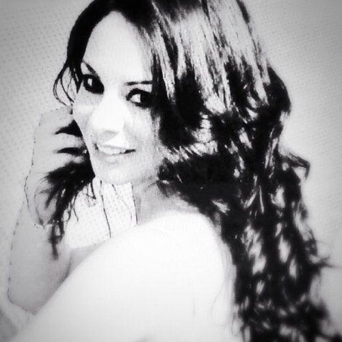 Lic.Laura V Castillo linkedin profile