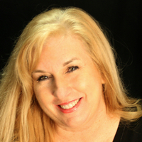 Kelly Lynn Glass linkedin profile