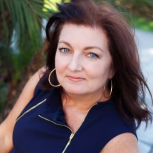 Leslie Cross linkedin profile